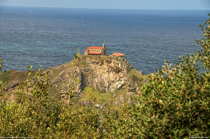 The hermitage at the top of Gaztelugatxe photo