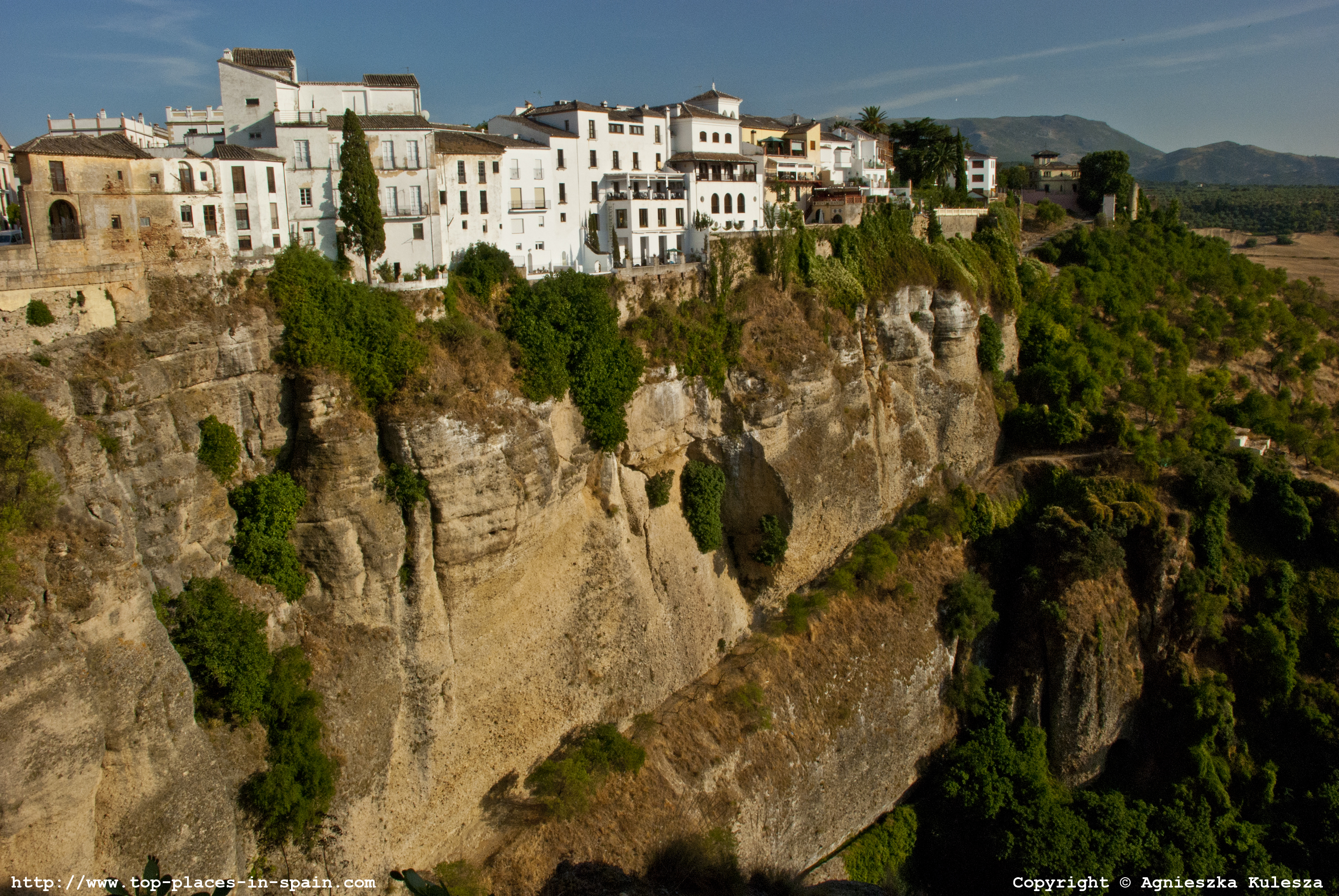 how to get from granada to ronda